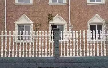围栏模具材料选择和注意事项